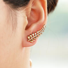 Leaves Shaped Pretty Fancy Delicate Alloy Women's Earrings 2 PCS