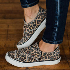 Women's Canvas Flat Heel Flats Low Top Round Toe Slip On With Animal Print shoes